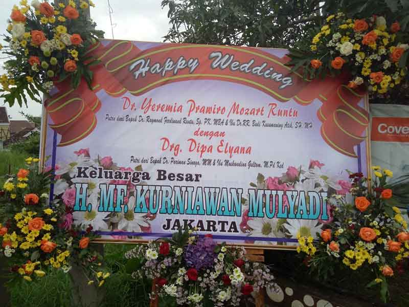 Karangan Bunga Happy Wedding Malang 4